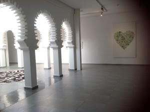Vista de la instalación en el Centro de Arte Moderno de Tetuán